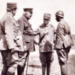 Aurelio Baruzzi, ultimo a destra dopo il Re Vittorio Emanuele III.
