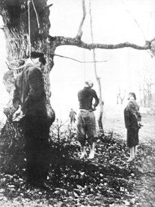 Immagine di una delle tante esecuzioni di partigiani.