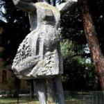 Mondina romagnola (1972), lega metallica. Castel Bolognese, Via Gaspare Costa – Viale Umberto I