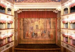 Teatro Goldoni, sipario.